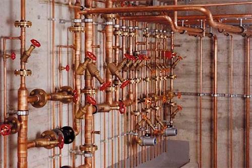 Медные трубы для водопровода имеют высокую антикоррозионную устойчивость