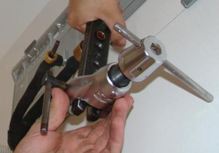 Прибор для вальцовки медных труб