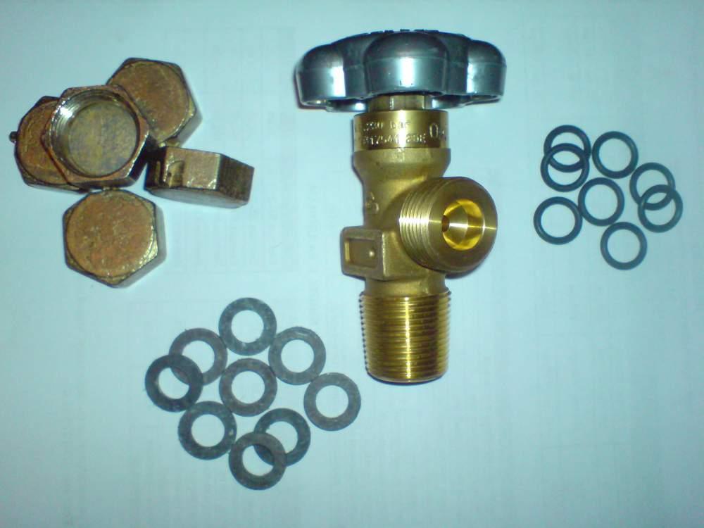 Вентиль кислородный та прокладки используемый для установки.